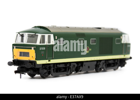 BR Class 35 (D7039) 'Hymek' mixed-traffic B-B diesel locomotive with hydraulic transmission (1:76 scale model by - Stock Photo