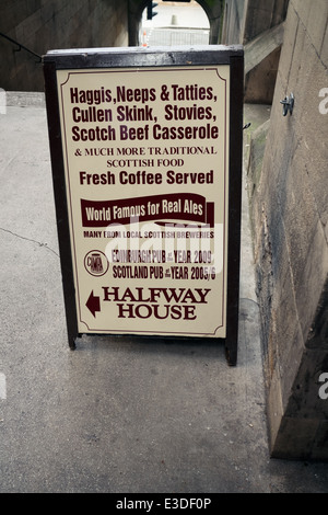 Pub Sign for the Halfway House Pub in Fleshmarket Close, Edinburgh - Stock Photo