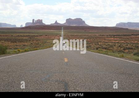 Einsame Straße Amerika - Stock Photo