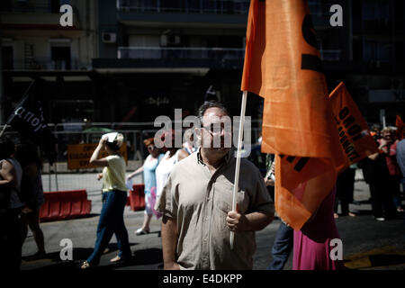 Thessaloniki, Greece. 9th July, 2014. Demonstrations during 24-hour strike of public sector union ADEDY. Protest - Stock Photo