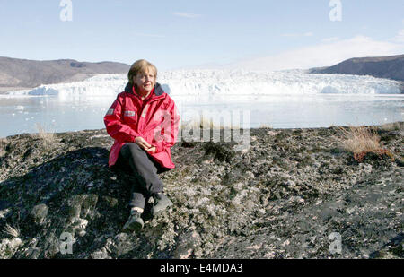 FILE - An archive picture dated 17 August 2007 visiting the Eqi Glacier near Ilulissat, Greenland. Merkel turns - Stock Photo