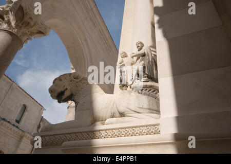 EUROPE, Croatia, Split, Diocletian's Palace, lion statue outside the Cathedral - Stock Photo