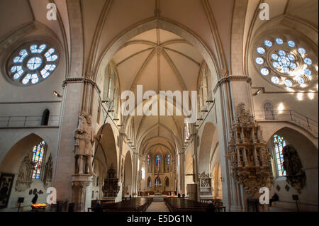 Interior vault with chancel, epitaph of the Provost Otto von Dorgelo on the right, Christopher by John of Bocholt - Stock Photo