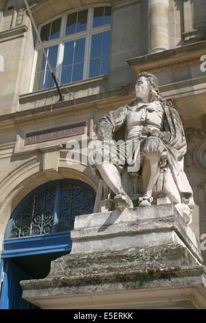France, Haute Normandie, seine maritime, rouen, musee des beaux arts, 1 place restout, facade, sculpture artiste, - Stock Photo