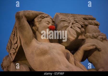 Sculpture, Jardins du Trocadero in Paris - Stock Photo