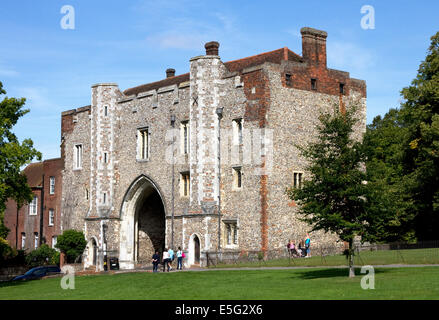 St Albans Abbey Gatehouse, formerly part of monastery, then town gaol, now part of St Albans School, St Albans, - Stock Photo