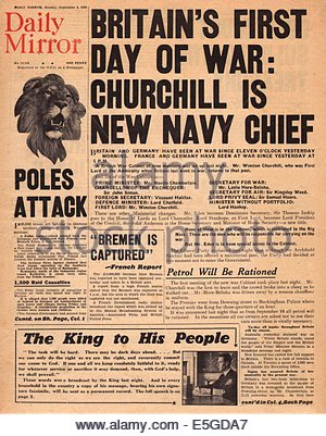 1939 Daily Mirror front page reporting Britain declares war on Germany - Stock Photo