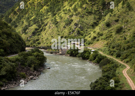 Eastern Bhutan, Lhuentse Valley new road bridge and footbridge across Kuri Chhu River - Stock Photo