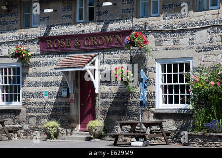 Rose and Crown Free (public) House, High Street, Tilshead,  nr Salisbury, Wiltshire, England, UK.. - Stock Photo