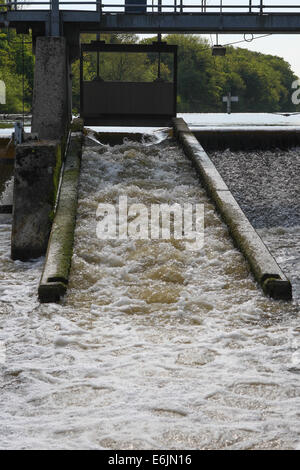 Salmon ladder at Boveney Weir on the River Thames near Windsor, Berkshire, England. - Stock Photo