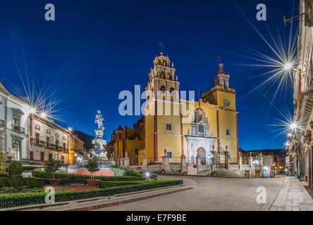 Our Lady of Guanajuato church in Plaza de la Paz at dawn, Guanajuato, Guanajuato, Mexico - Stock Photo