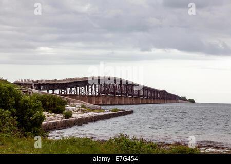 Old, abandoned Bahia Honda rail bridge (c.1912) viewed from Spanish Harbor Key in the Florida Keys, USA. - Stock Photo