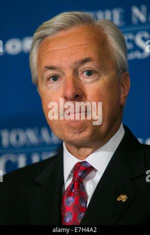 Washington DC, USA. 17th Sep, 2014. Wells Fargo & Company Chairman, President and CEO John Stumpf delivers remarks - Stock Photo