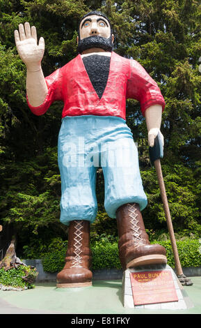 California, Klamath, Trees of Mystery, sculpture of Paul Bunyan - Stock Photo