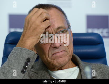 Moscow, Russia. 30th Sep, 2014. Russian director Andrei Konchalovsky looks on at a press conference on staging the - Stock Photo