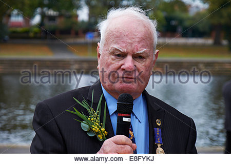 Nottingham, UK, 7 October 2014  John Hennessey, former child migrant gives an emotional address in memory of Harold - Stock Photo