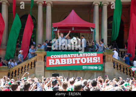 Sydney, NSW, Australia. 9th October 2014. After winning the NRL Grand Final, the South Sydney Rabbitohs were given - Stock Photo