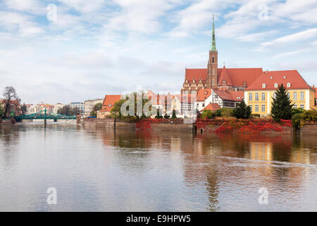 Odra River with Cathedral Island - Archbishop's residence, The Church of the Holy Cross and Tumski Bridge, Wroclaw, - Stock Photo