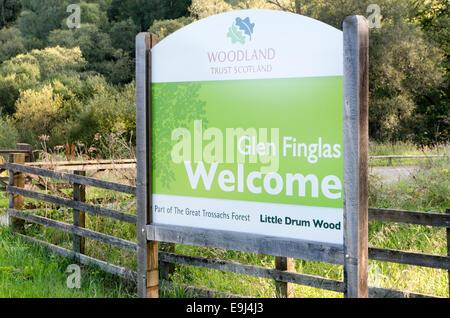 Welcome Sign to Little Druim Wood, Glen Finglas, Trossachs, Stirlingshire,  Scotland, UK - Stock Photo