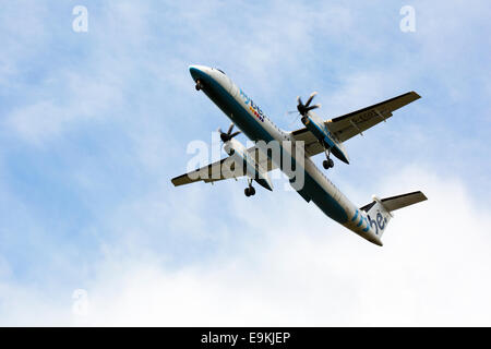 De Havilland Canada DHC-8-402Q Dash 8 G-ECOT on approach to land at Manchester Airport - Stock Photo