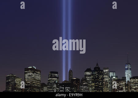 September 11 Tribute in Light beams viewed across the East River from Brooklyn 2013 - Stock Photo