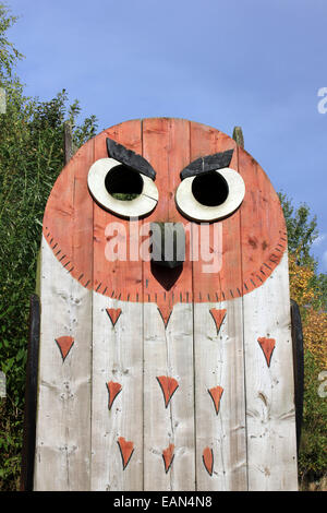Giant Wooden Owl In the Adventure Playground Of Old Moor RSPB Reserve, Yorkshire, UK - Stock Photo