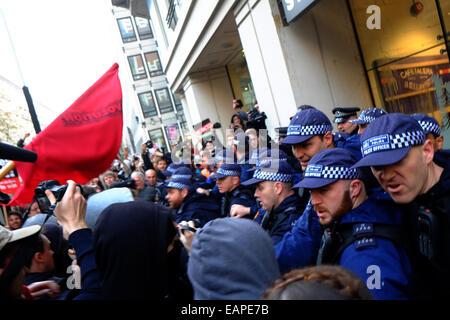 London, UK. 19th Nov, 2014.  Credit:  Rachel Megawhat/Alamy Live News - Stock Photo