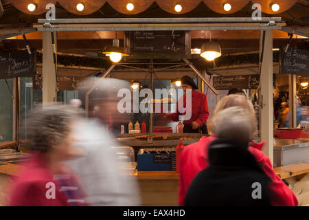 Christmas Markets and shoppers, Manchester, UK - Stock Photo
