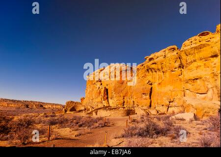 Chetro Ketl begun around 1020 and had an estimated 500 rooms and 16 kivas Chaco Culture National Historical Park - Stock Photo