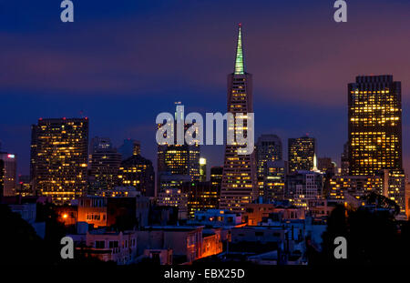City of San Francisco at night taken from Coit Tower on Telegraph Hill, USA, California, San Francisco - Stock Photo