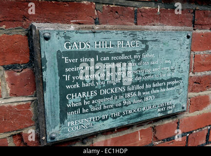 Dickens - plaque Gad's Hill Place (Gadshill). English novelist Charles Dickens lived here at Higham above Rochester, - Stock Photo
