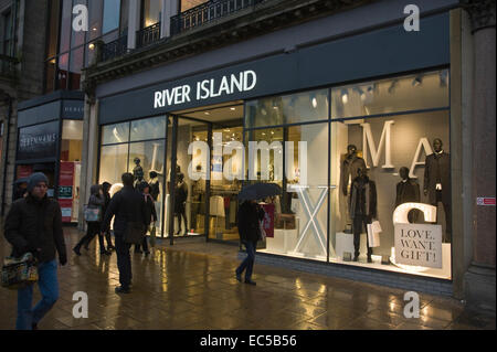 RIVER ISLAND fashion clothing store on Princes Street Edinburgh Scotland UK - Stock Photo
