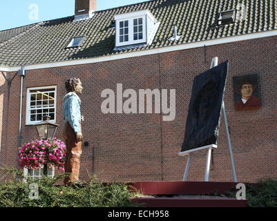 Rembrandt van Rijn monument at  Rembrandtplaats in his birthplace, the city of  Leiden, The Netherlands - Leiden - Stock Photo