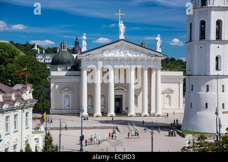 Lithuania (Baltic States), Vilnius, historical center, listed as World Heritage by UNESCO, the clock tower in front - Stock Photo