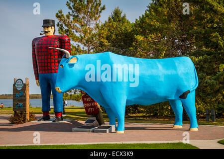 Legendary Paul Bunyan and Babe his blue ox at a park in Bemidji, Minnesota, USA. - Stock Photo