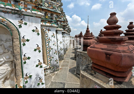 TH00196-00...THAILAND - Glazed porcelain decorate the walls of the Wat Arun tower. - Stock Photo