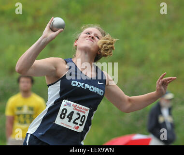 CT USA Oxford's Taylor Drayton throws the shot-put during the State Open Track and Field Championship at Middletown - Stock Photo