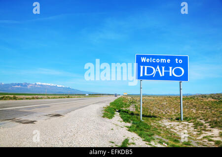 Welcome to Idaho sign at the state border - Stock Photo