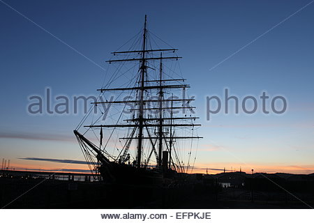RRS Discovery, Discovery Point, at dawn, Dundee Scotland  February 2015 - Stock Photo