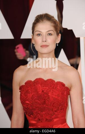 Los Angeles, CA, USA. 22nd Feb, 2015. Rosamund Pike !!! UNITED KINGDOM OUT !!! for The 87th Academy Awards Oscars - Stock Photo