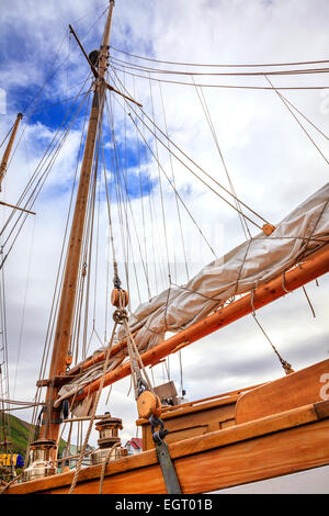 Mast of a large sailing boat and details of rigging - Stock Photo