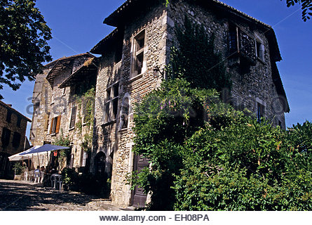 France, Rhone-Alpes, Ain, old city of Perouges - Stock Photo