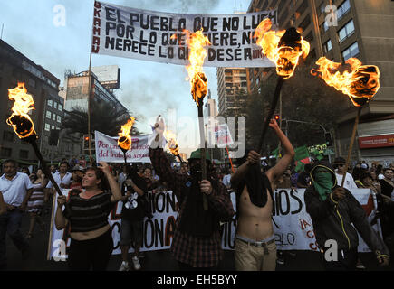 Santiago, Chile. 6th Mar, 2015. People take part in a march called 'For a March 8 without clandestine abortions' - Stock Photo