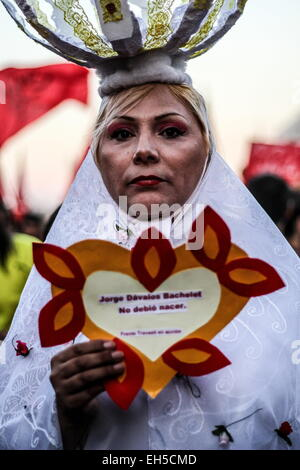 Santiago, Chile. 6th Mar, 2015. Thousands of women march through the streets to celebrate International Women's - Stock Photo