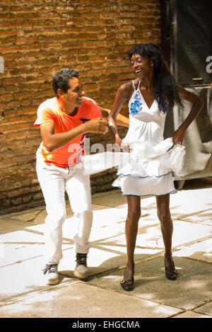 Cuba Santa Clara bar cafe cafeteria restaurante restaurant nightclub dancer dancers audition auditions trial trials - Stock Photo