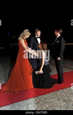 Copenhagen, Denmark. 18th March, 2015. Dutch Queen Máxima (left) and King Willem-Alexander (second, left) welcome - Stock Photo