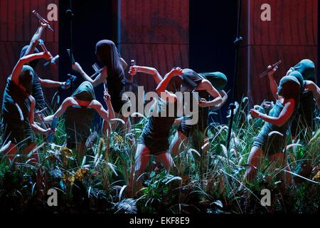 Leipzig, Germany. 7th April, 2015. , Dancers of the Leipzig Ballett perform in the final dress rehearsal of Richard - Stock Photo