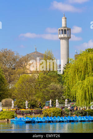 The Regents Park Boating Lake and London Central Mosque, London England UK - Stock Photo