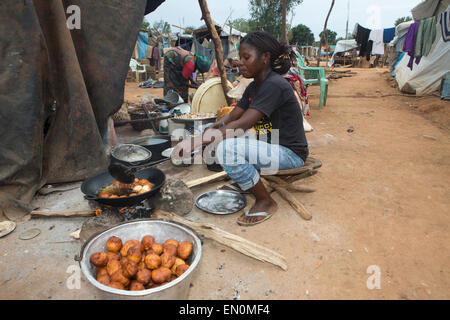 Displaced muslims have taken refuge in a school in CAR - Stock Photo