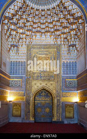 Uzbekistan, Samarkand, the wonderful decorations of the Bibi Khanim mosque inside - Stock Photo